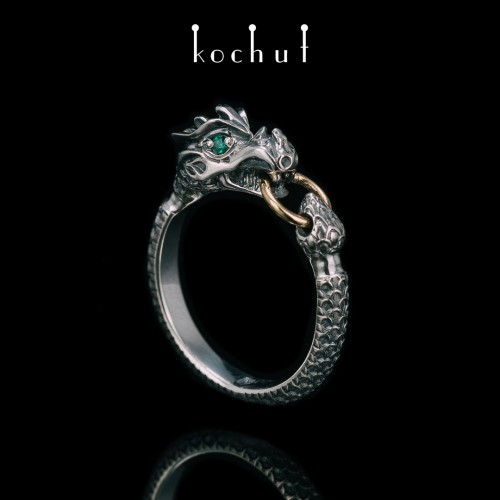 Ring «Dragon». Silver, yellow gold, emeralds, oxidation