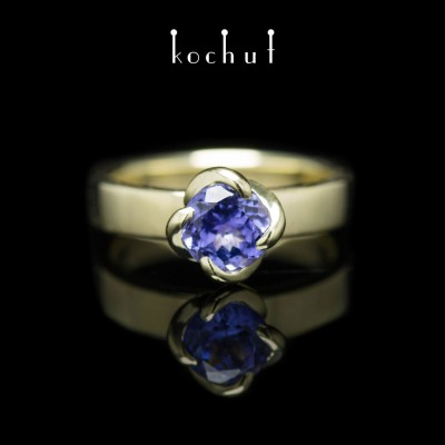 "Ring ""Grace"". Yelloe gold, tanzanite"