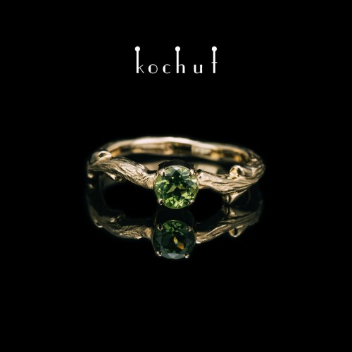 """Ring """"The March Branch"""". Yellow gold, chrysolite"""