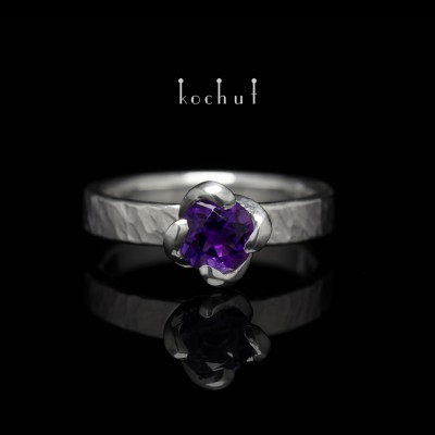 "Ring ""Grace"". Silver, amethyst, white rodium"
