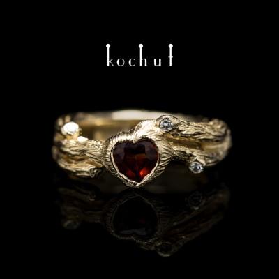 Каблучка «Гілочка». Червоне золото, червоний гранат в формі серця