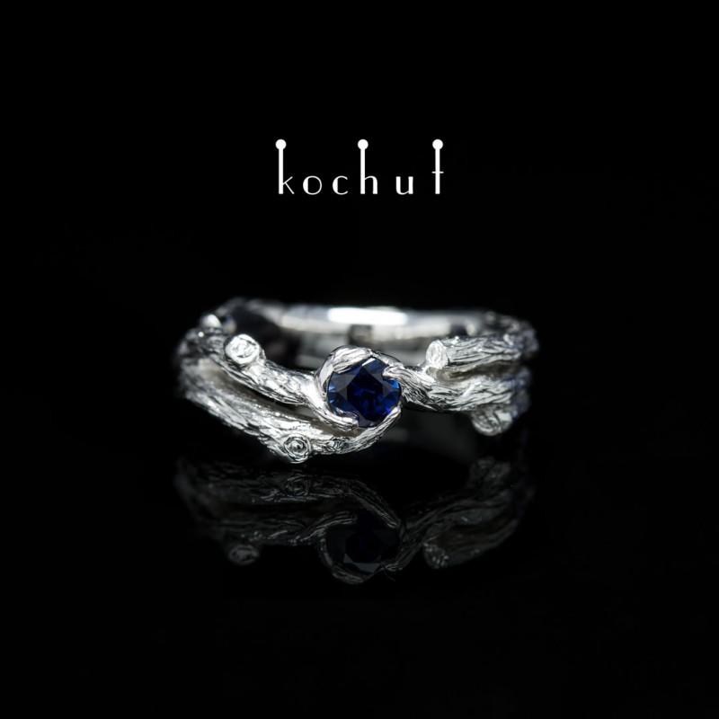 Prsten «Větvička». Stříbro, bílé rhodium, safír