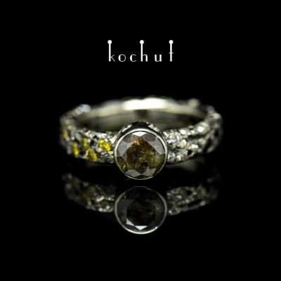 """Каблучка на заручини """"Сатурн"""". Біле золото, діаманти, чорний родій"""
