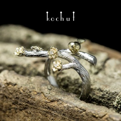 "Ring ""Bird and flowers"". White, yellow gold, white rhodium, diamonds"