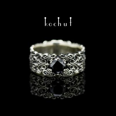 Prsten «Notre-Dame». Bílé zlato, černý briliant