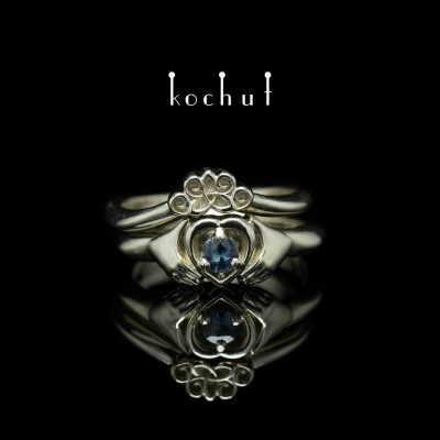 """Double ring """"Claddagh"""". White gold, sapphire"""