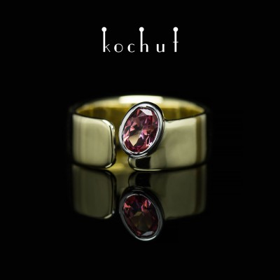 Ring «The Pink Lagoon». White and yellow gold, pink topaz