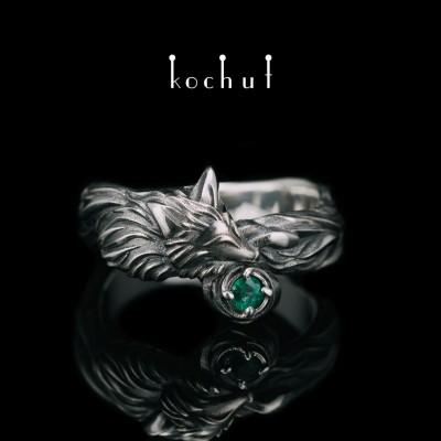 Prsten «Liška». Stříbro, oxidace, smaragd