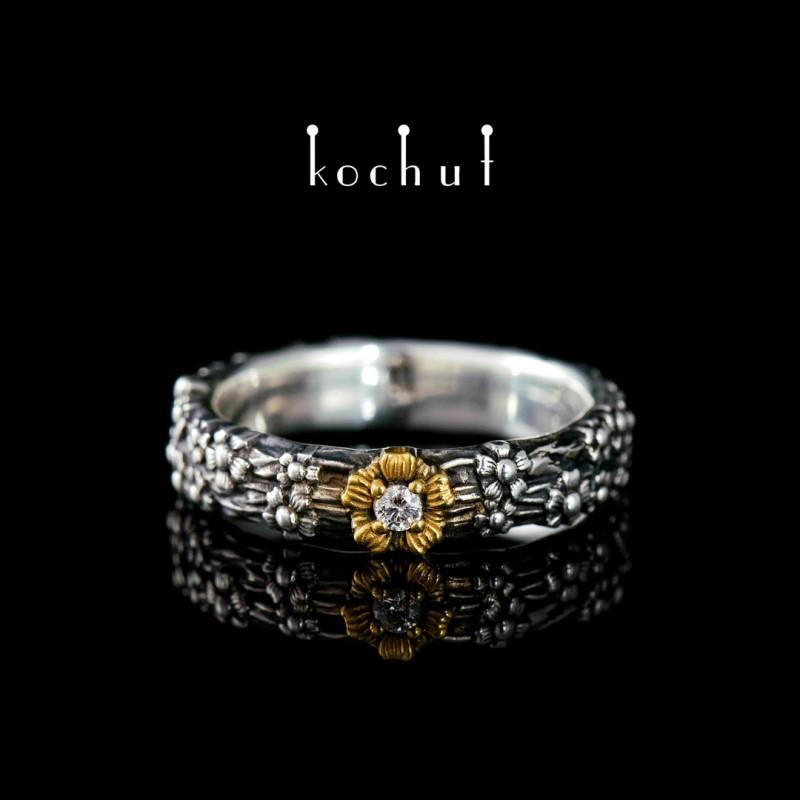 Каблучка на заручини «Незабудка». Срібло, оксидування, позолота, діамант