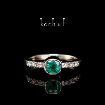 Помолвочное кольцо «Эсмеральда». Палладиевое золото, изумруд, бриллианты