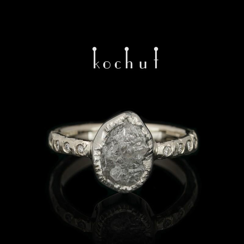 Каблучка на заручини «Перша леді». Біле золото, платина, алмаз, діаманти
