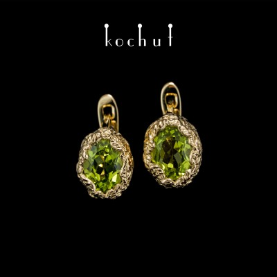 Earrings «The source of life». Yellow gold, chrysolites