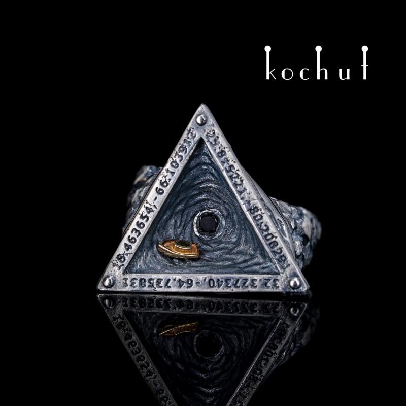 Перстень «Бермудський трикутник». Жовте золото, срібло, діамант, оксидування
