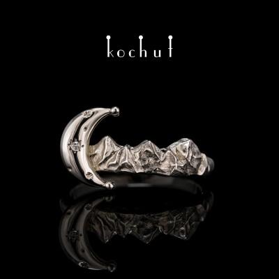 Ring «Mountain Dream». White gold, diamond