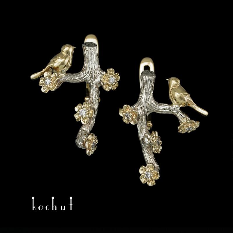 Náušnice «Ptáček a květy». Bílé, žluté zlato