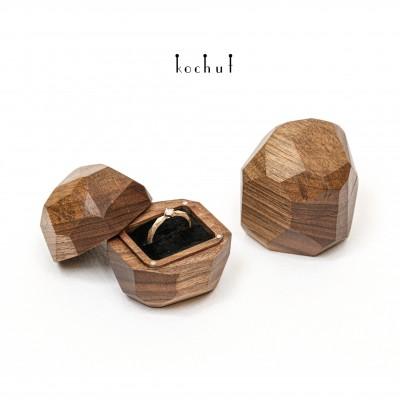 Jewelry box «Meteorite». Walnut, oil