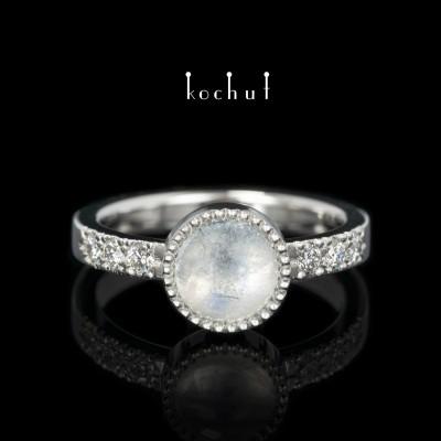 Ring «Jupiter». Platinum, moonstone, diamonds