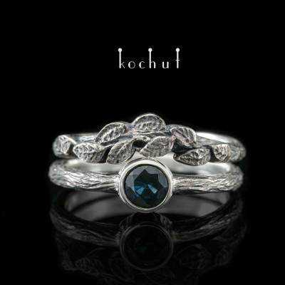 Dvojitý prsten «První setkání». Stříbro, safír, oxidace